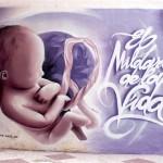 grafiti bebe feto y letras